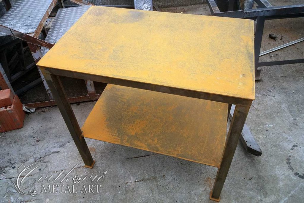 barbecue table