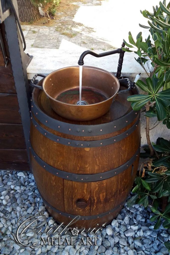 Barrel with sink